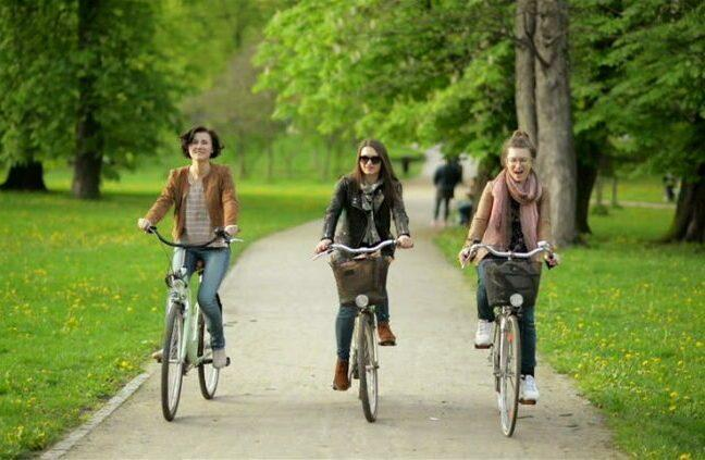 Fun Urban cycling as post feature image for women electric bike sale