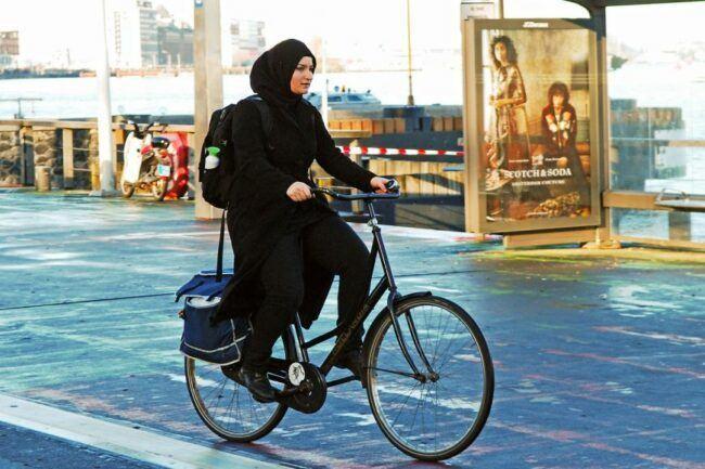 Biking trend in Arabia. Increasing biking will come very soon.