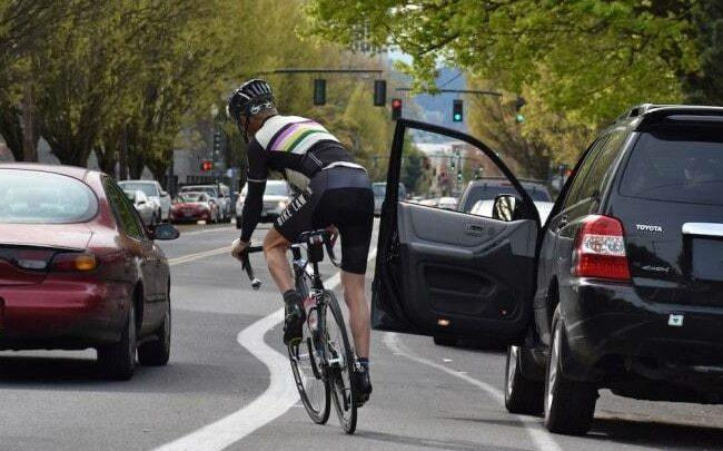 Possible cycling accident #6 - do not put yourself in this situation