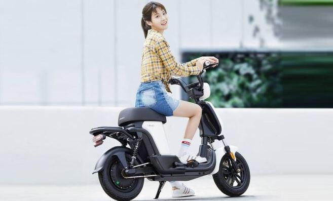 Biking Xiaomi Himo T1 is joyful for young ladies