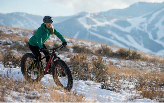 Biking in winter choose EMOJO Lynx Pro Sport Folding e-bike.