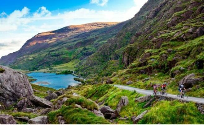 Cycling in Ireland as a featured image for Ribble CGR AL e Step-through post.