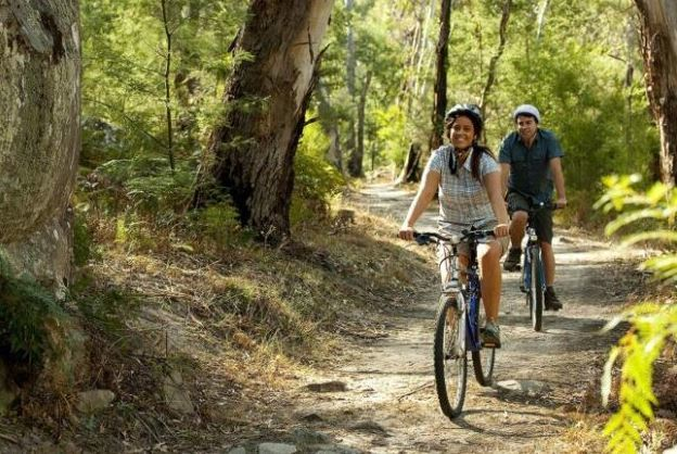 Cycling couple as the featured image for X-Treme Sedona 500W Post.